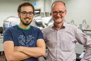 PhD student Tomas Stankevic and Professor Robert Feidenhans'l