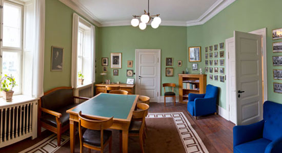 Take a city walk in Bohr's Copenhagen, a tour of the department. Find new sides of Bohr's life and work in special exhibitions about Bohr and the institute.