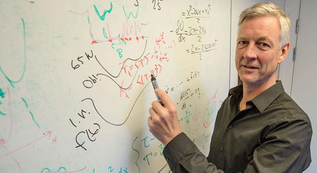 Der er akut behov for kvalificerede klimaforskere med dyb indsigt i såvel klima-fysik som avancerede matematiske teorier. Et europæisk forsker-træningsprogram, CriticalEarth under ledelse af Peter Ditlevsen, fra forskersektionen Is, Klima og Geofysik ved Niels Bohr Institutet, Københavns Universitet skal rette op på problemet.